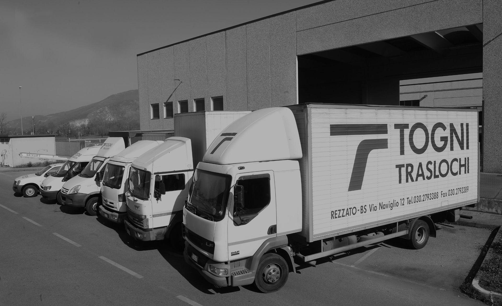 La nostra azienda. Traslochi, trasporti, bus